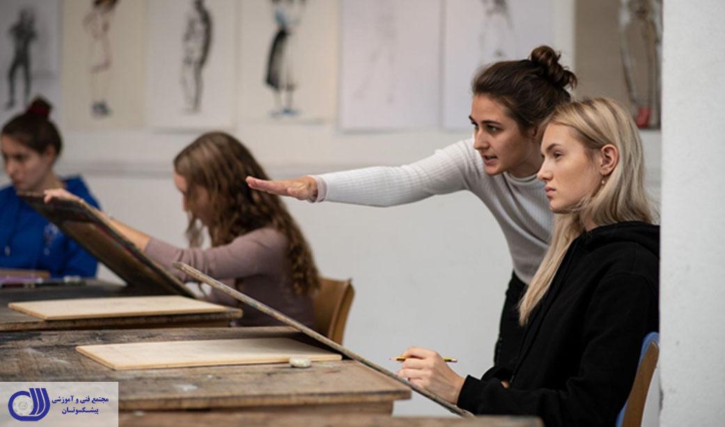 دوره طراحی لباس در موسسات آکادمیک