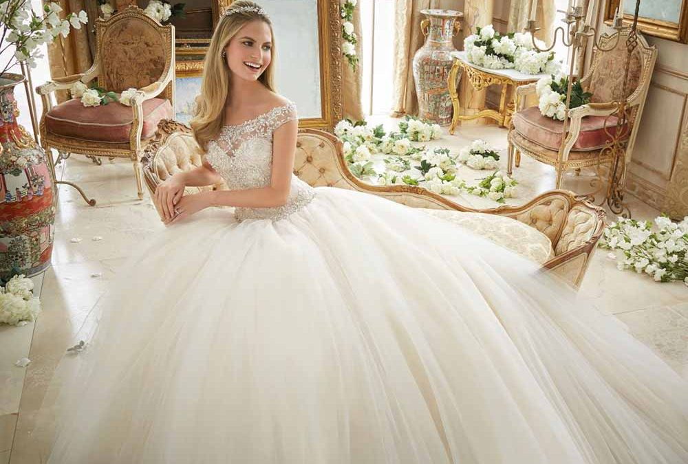 طراحی لباس عروس - رنگ لباس عروس - آموزش طراحی لباس پیشکسوتان